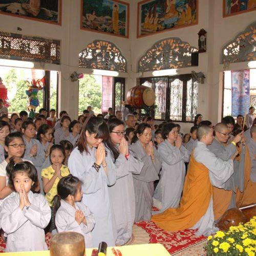 250 Phật tử đã quy y Tam Bảo tại Quan Âm Tu Viện
