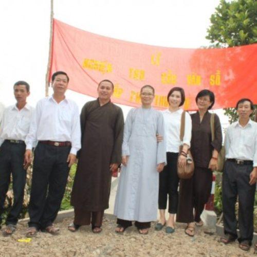 Hội Từ Tâm-Quan Âm Tu Viện xây cầu cho bà con tại Vĩnh Long