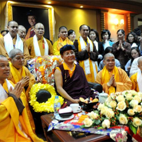 Pháp Vương Gyalwang Drukpa rạng rỡ đến Việt Nam