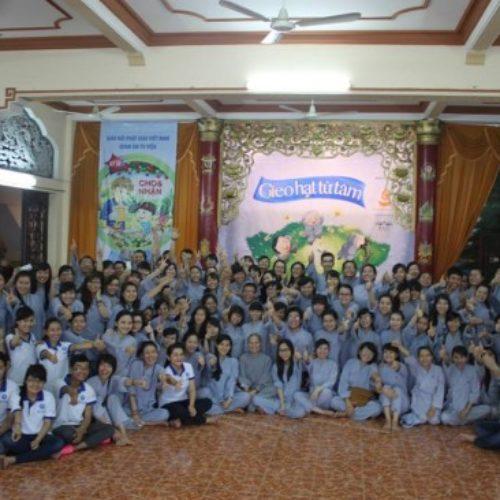 """Cho & Nhận – Khóa tu giúp 300 bạn trẻ biết cách """"yêu thương"""" không điều kiện"""