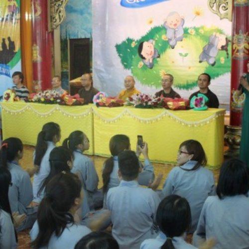 Hơn 300 tu sinh cùng tri ân thầy cô trong khóa tu GHTT kỳ 32