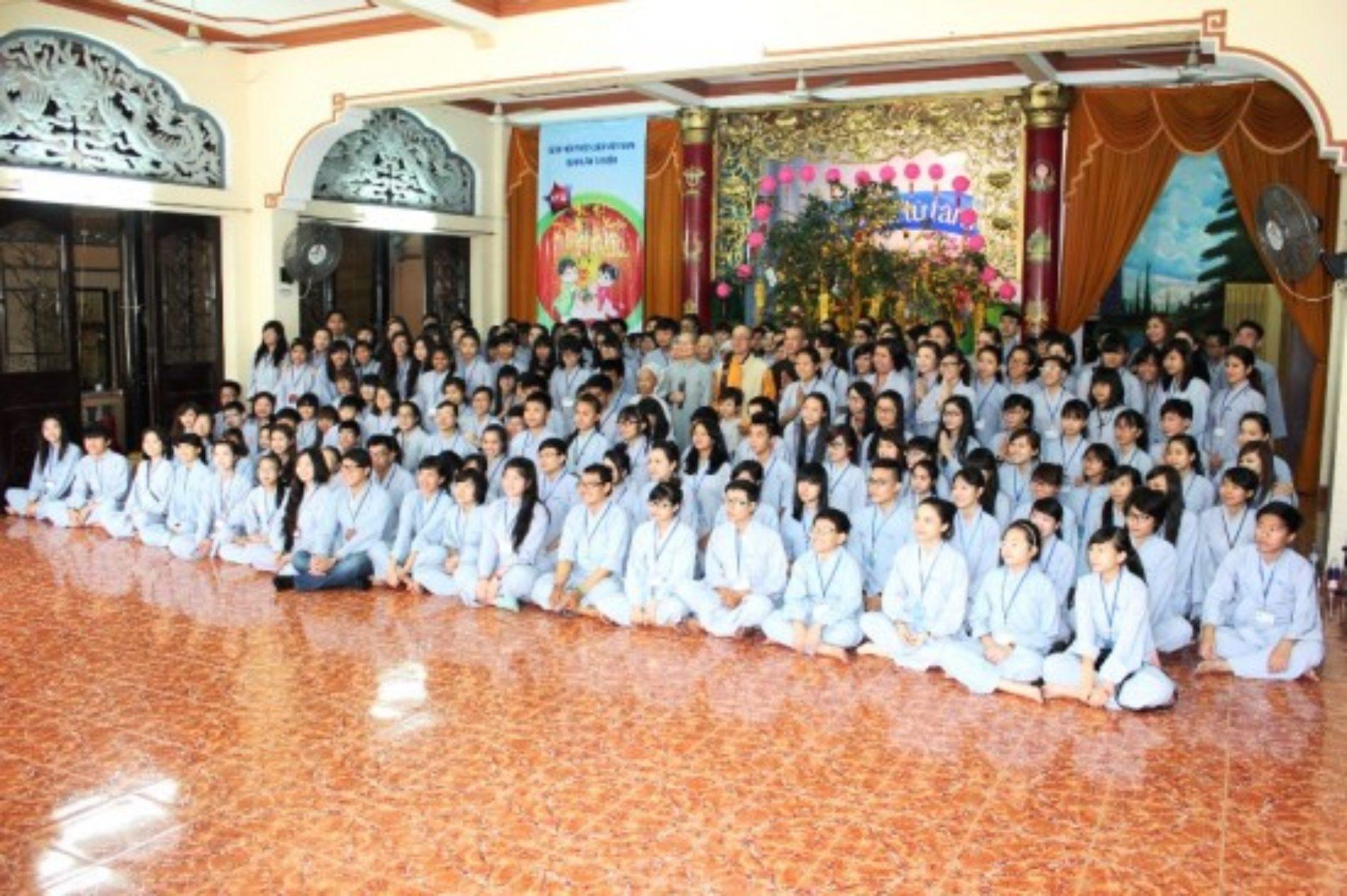"""Hơn 300 bạn trẻ cùng cảm nhận """"Xuân Yêu Thương"""" tại QATV"""