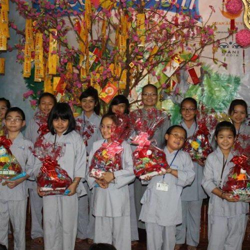 """Hơn 350 em nhỏ tham gia khóa tu """"Tết Yêu Thương"""" tại Quan Âm Tu Viện"""
