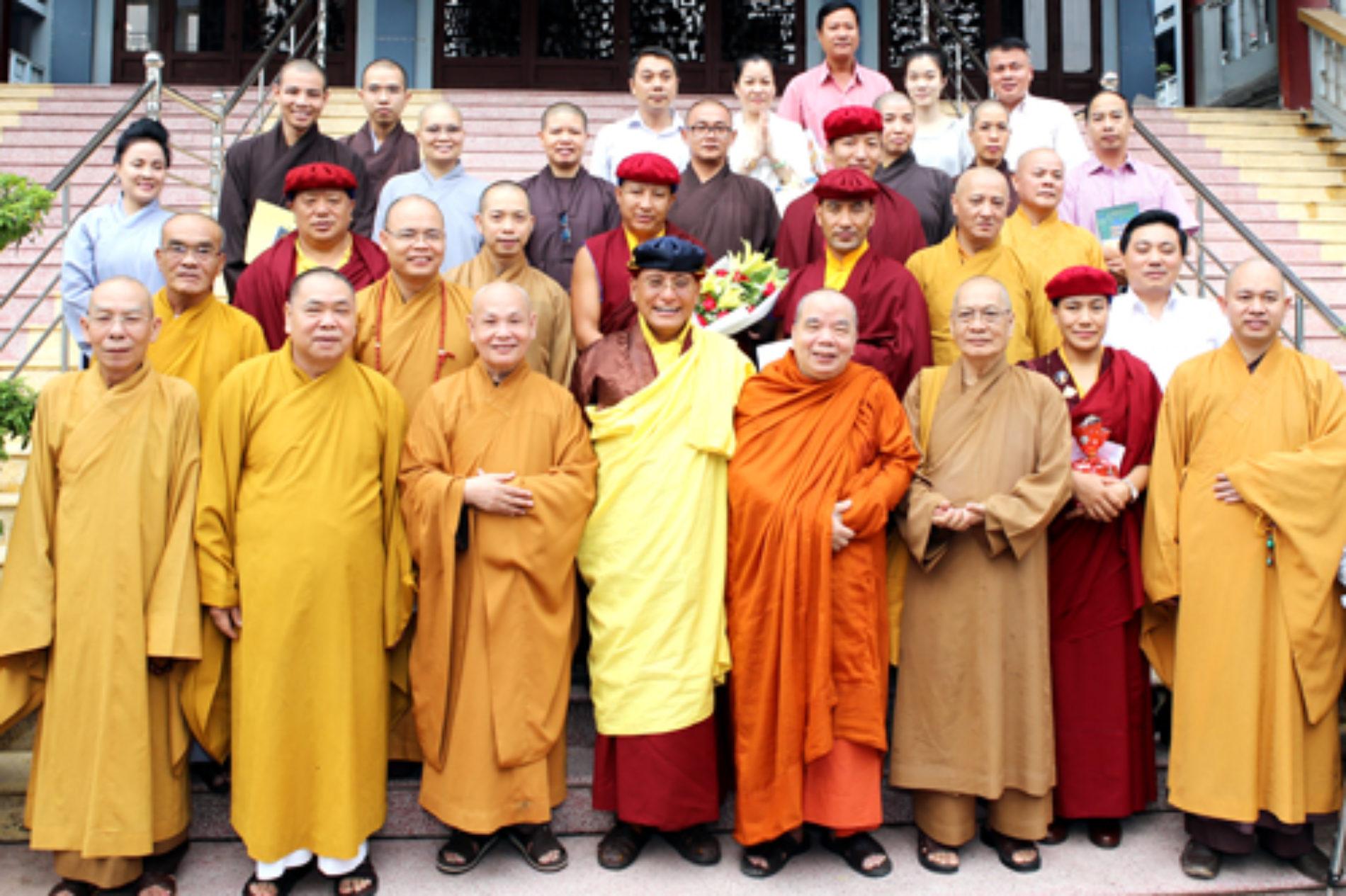 Pháp Vương Drukpa thăm lãnh đạo Hội Phật giáo Việt Nam